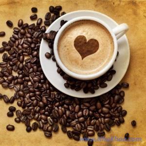 Cà phê làm xỉn màu răng sau khi tẩy trắng